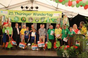 Die Thüringer Wanderkönige des Jahres 2015 in den Kategorien Frauen, Männer und Kinder/Jugendliche werden ausgezeichnet.