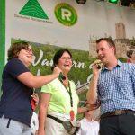 Christine Lieberknecht mit den Vertretern der Wanderjugend